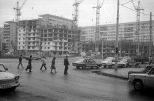 mo1_crop_piata-iancului_constructie-blocul-semicircular_-oct-1984